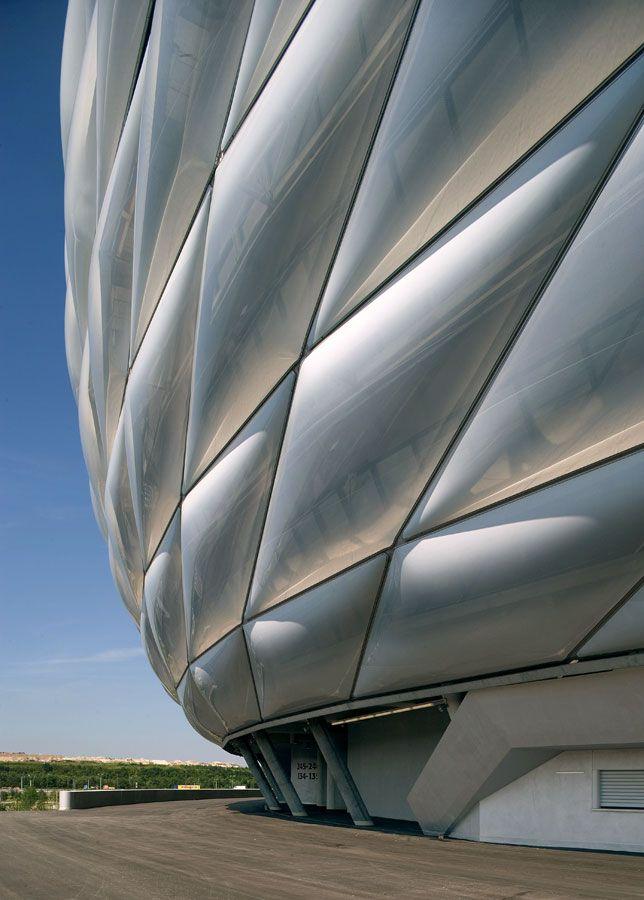 Allianz Arena by Herzog & de Meuron © Duccio Malagamba