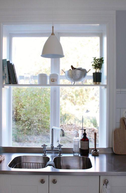 Edelstahlarbeitsplatte, Julias Küche, weisse schwedische Landküche