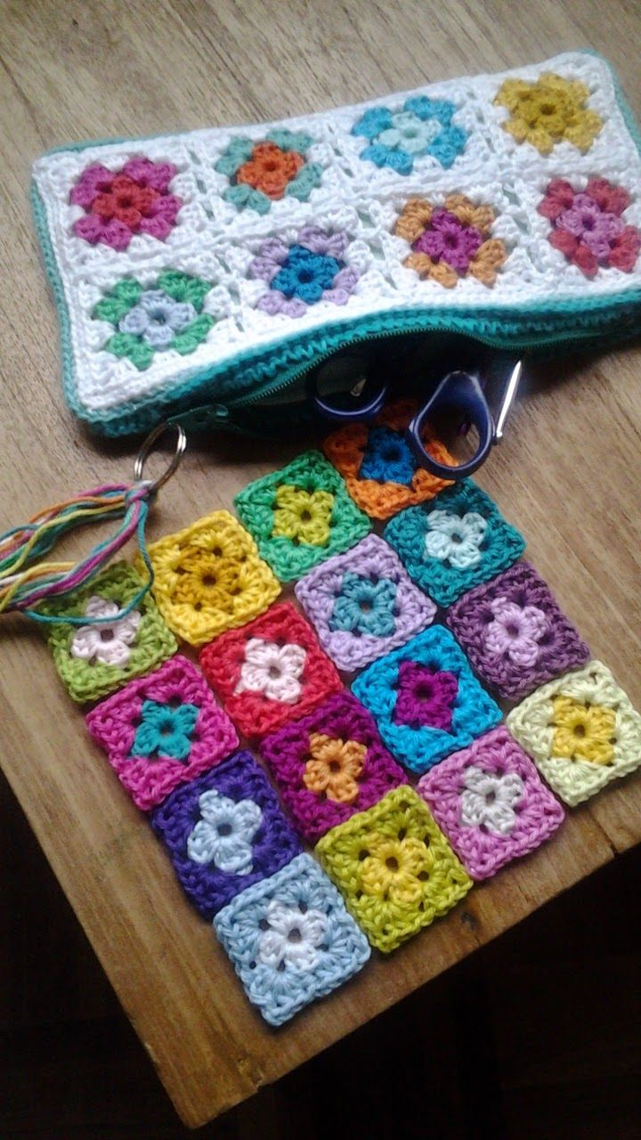 @ Hooked by Marijtje: Zipper pouch from tiny granny squares