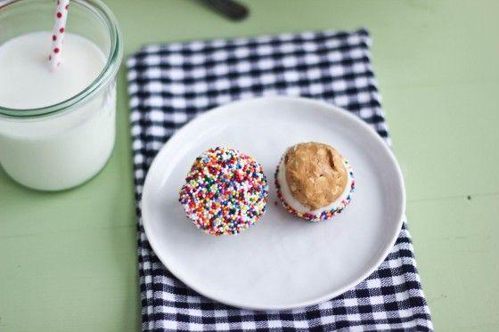 Biscoff Buckeyes | Bake Your Day: Biscoff Buckeyes Sayings, Sprinkles, Bake, White Chocolate, Oats, Baking, Rice Krispie, Lemon Bar
