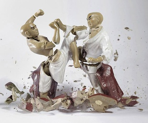 Martin Klimas drops porcelain statues and photographs them at the moment they shatter, creating scenes with incredible senses of movement. You can almost imagine that the figures in these pictures are actually alive, and that their bodies blow apart each time they make contact.