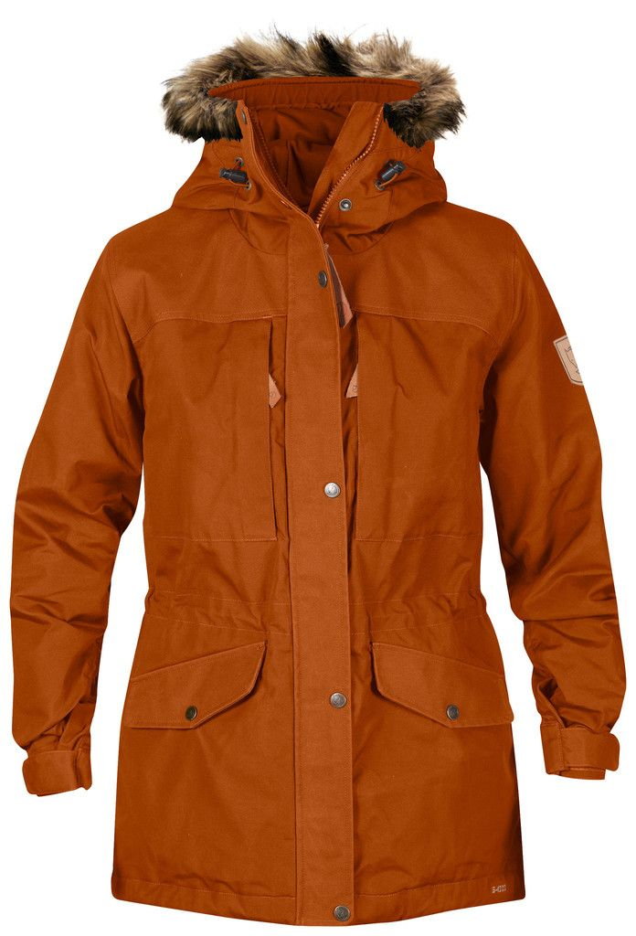 Lightly padded trekking jacket with a long traditional cut.