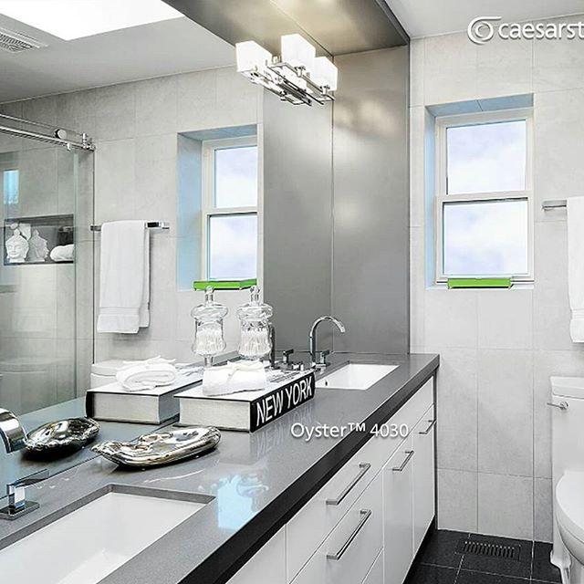La superficie Oyster™ sobre la meseta le da un estilo moderno y limpio a este baño.  #caesarstone #caesarstonemx #bañosmodernos #tendencias #tendencias2016 #ideas #ideasparalacasa #baños #cuarzo #cubiertasdecuarzo #encimeras #marmol #granito #ambientes #quartz #archdaily #archdailymx #arquitectura #arquitecturamx #remodelacion #construccion #interiorismo #interiorismomx #interiorismomexico #diseño #diseñointerior #quartzcountertops #marble #granite #casasboutique