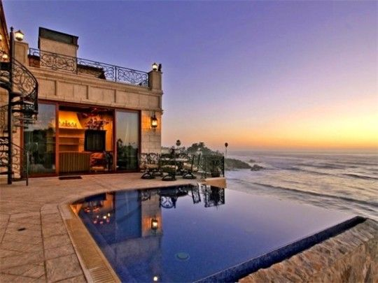 Luxury Homes With Phenomenal Swimming Pools  An ocean