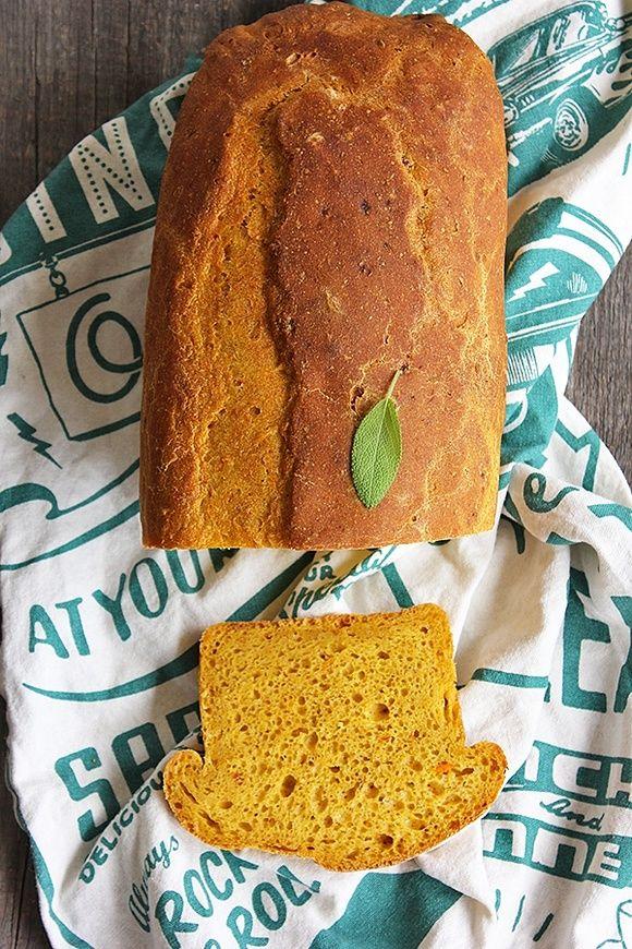Dyniowy chleb tostowy na zakwasie