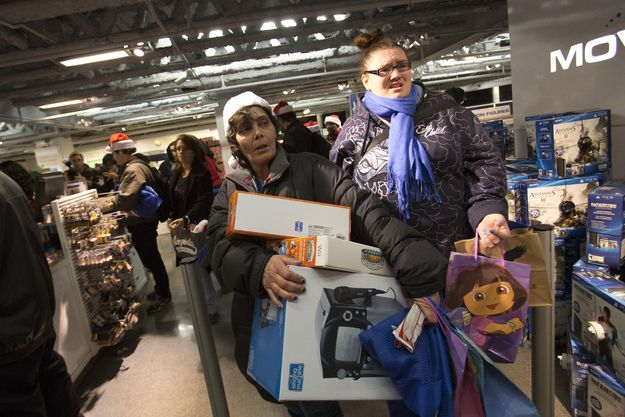 And this is why I will NEVER go Black Friday shopping! 17 Black Friday Stories That Will Make You Lose Faith In Humanity