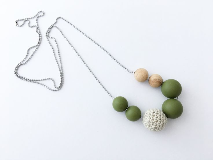 New necklace design. Come is many colours.