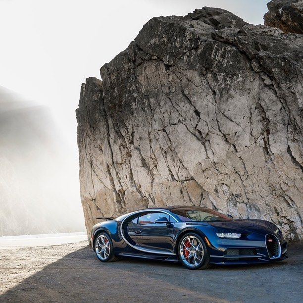 #Dream4You di oggi è #Bugatti #Chiron hypercar francese capace di raggiungere i 432 km/h! motorsquare.eu/it #autogespot #supercarsdaily700 #supercar #supercars #car #cars #cargram #carporn #carsofinstagram #carswithoutlimits #amazingcars247 #exotics #hypercars #automotivegramm #sportscars #carinstagram #fast #carlifestyle #carlife #Itswhitenoise #IGCar #superexoticscars #speed #road #wheels