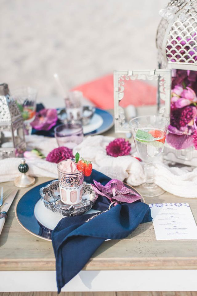 Er gebeurd een heleboel op deze tafel en dat maakt het juist zo mooi!