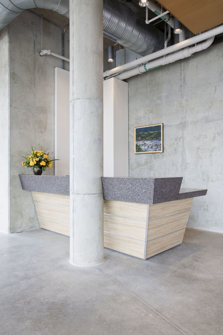 Custom reception desk this beautiful and energetic desk - University of maryland interior design ...