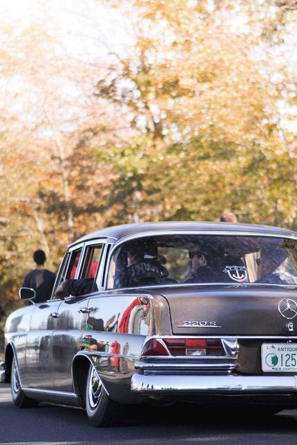 Ein Stern mit allen chicanos: Dropped Mercedes 220S