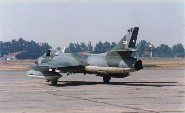 Last flight of the Chilean Air Force Hawker Hunters on April 19, 1996.