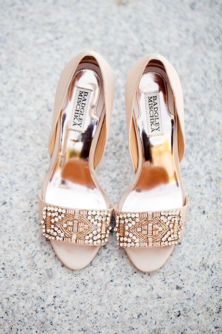 Beautiful Badgley Mischka wedding shoes//