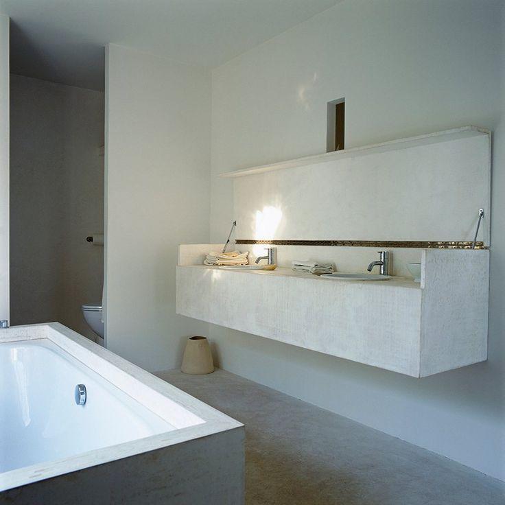 Μικρές χρήσιμες συμβουλές για εξοικονόμηση χώρου στο μπάνιο και μερικές σκληρές αλήθειες για να κάνετε πιο εύκολη τη ζωή σας.