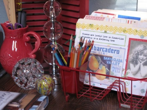 Cheap organizer for the kids art.: Dry Racks, Old Dishes, Ideas, Dish Racks, File Folder, Dishes Drainer, Dishes Racks, Home Offices, Pencil Holders