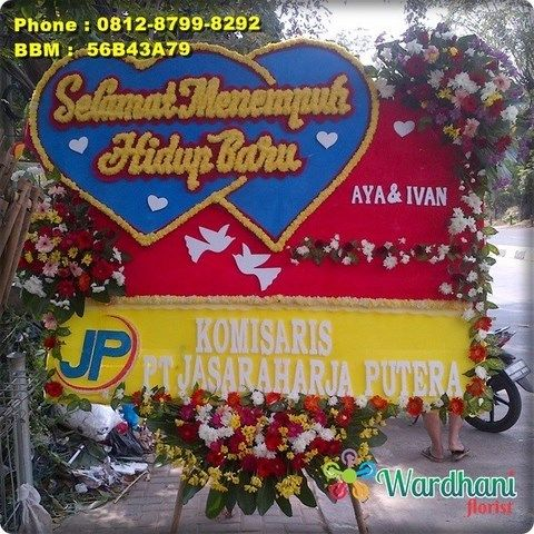 Bunga Papan Happy Wedding HW382WF