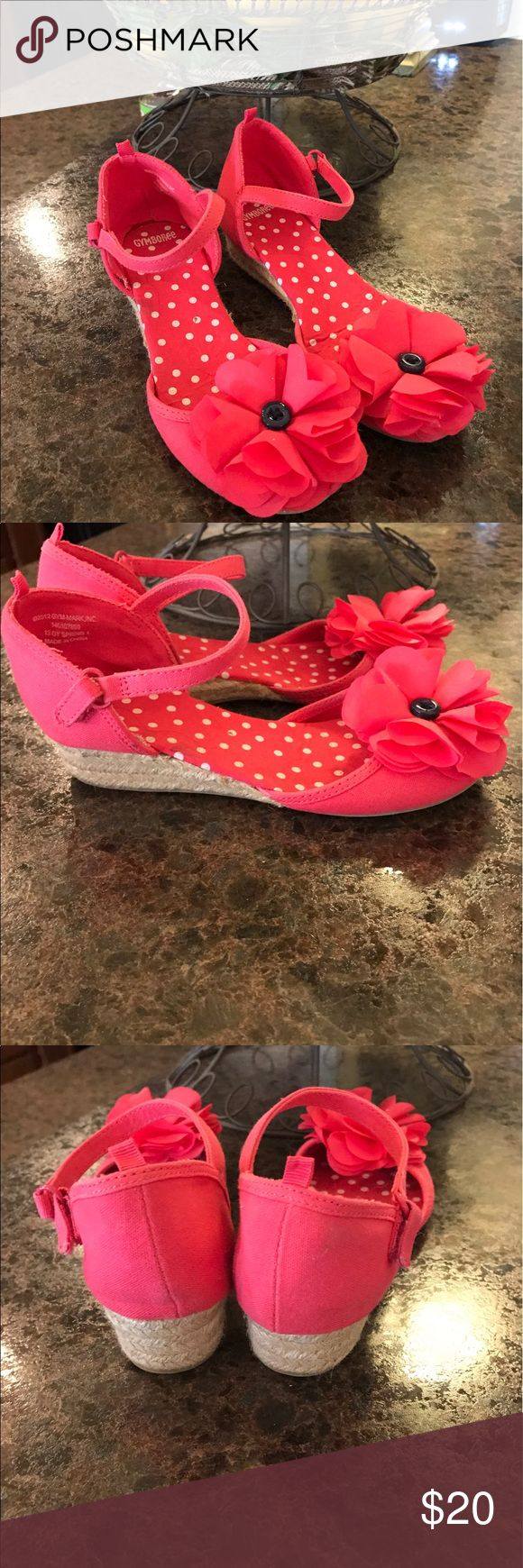 Girls wedge shoes. Gymboree size 13 These are sooo cute! My daughter wore them a few times for pictures. Gymboree brand. Size 13 in excellent condition. Gymboree Shoes