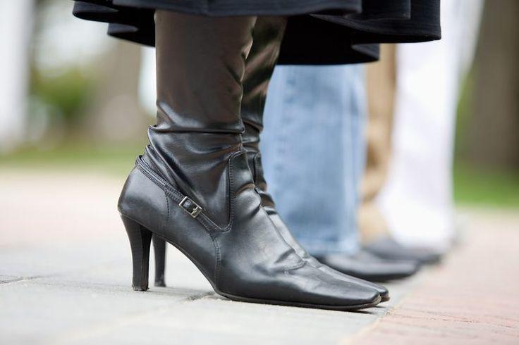 Ideas de vestimenta con botas a la rodilla para mujeres de talla grande. Si tienes la suerte suficiente de encontrar una botas a la rodilla de talla grande que se ajusten bien a tu pie, combinarlas con el atuendo perfecto puede hacerte ver con estilo y elegancia desde el otoño hasta principios de ...