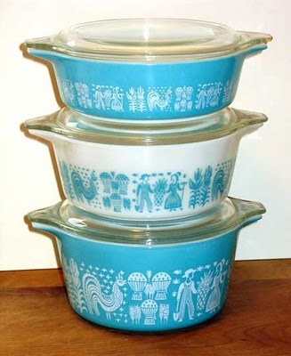 .Nests Mixed, Avocado Green, Corn Glasses, Bowls Sets, Nests Bowls, Garage Sales, Ewwwww Ahhhhh, Garages Sales, Blue Pyrex