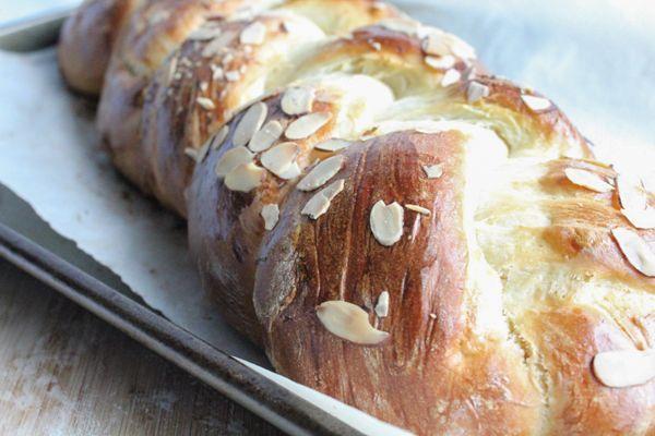 Greek Easter Bread #Easter #easterrecipes