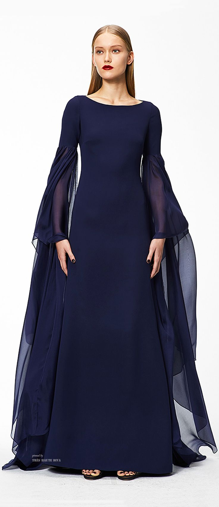 I love this - great to see a gown that covers-up a multitude #demure Monique Lhuillier, Pre-Fall 2015.