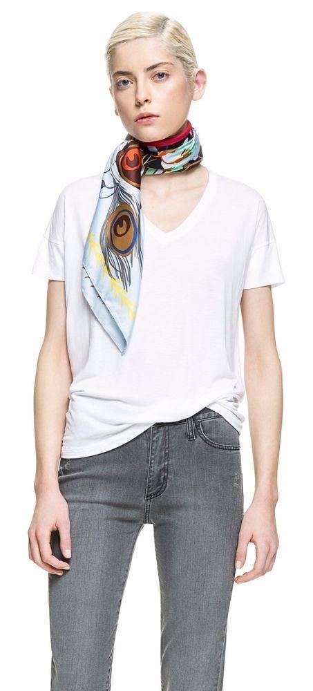 Bimba Y Lola White TShirt Top, basic tee, v-neck, Spain, Greece #BimbaYLola #TShirt