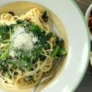 Paste carbonara cu broccoli si carnati