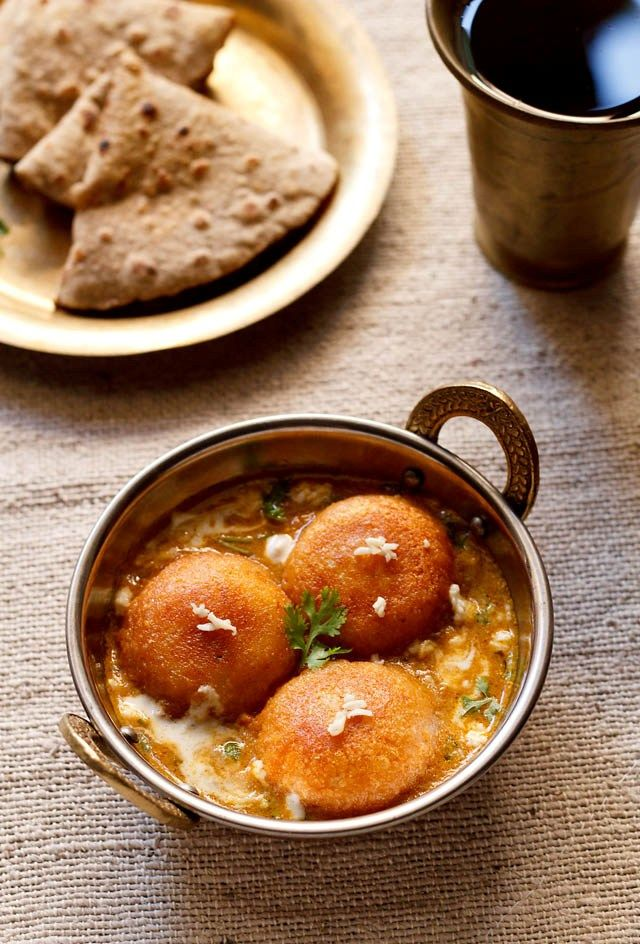 malai kofta - potato-cottage balls in a creamy, mild and lightly sweet curry. one of the most popular north indian vegetarian curry dishes. a step by step recipe.