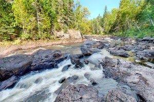 Twelve must-do day hikes in Grand Marais, Minnesota