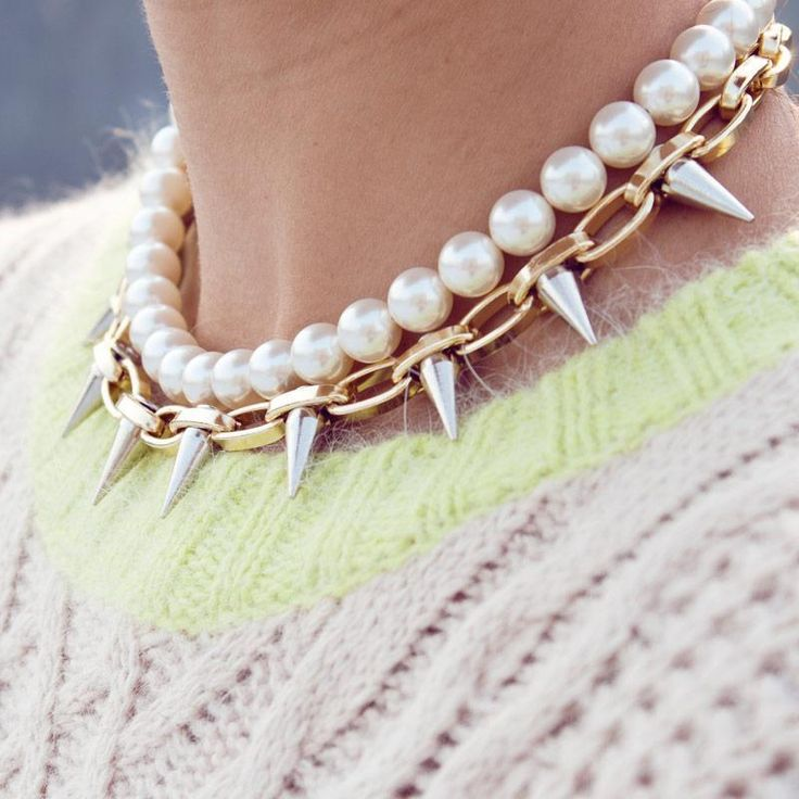 DIY inspiration: pearl and metal spike necklace  Maybe the only way I'd wear pearls.;)