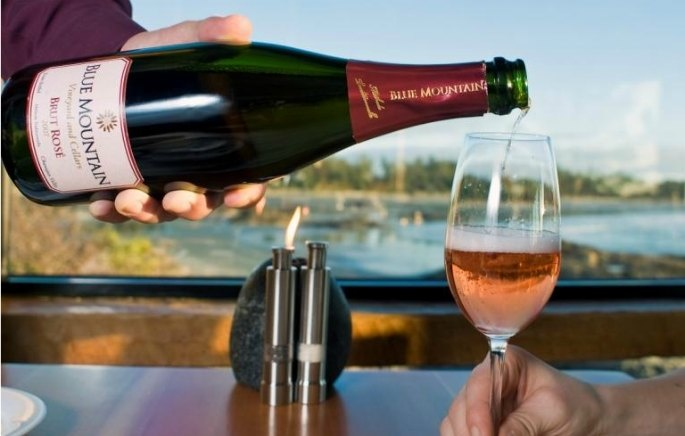 October is breast cancer awareness month.  For every glass of Blue Mountain Rose sold in the Pointe Restaurant this month, we will donate $ 1, and Blue Mountain will also donate $ 1 to the Canadian Breast Cancer Foundation. For every bottle sold, The Pointe Restaurant and Blue Mountain will each donate $ 5 to the CBCF.