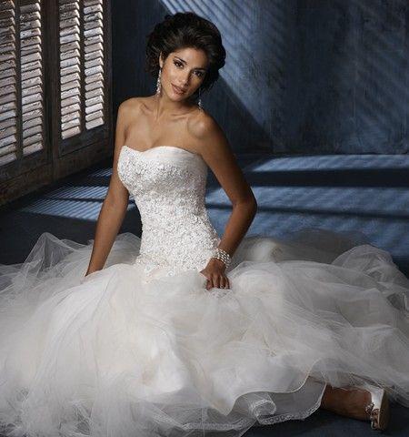 Brautkleid Maggie Sottero Elfenbein ab Größe 36 bis 40 für 1200€ | auf Wunsch-Brautkleid.de