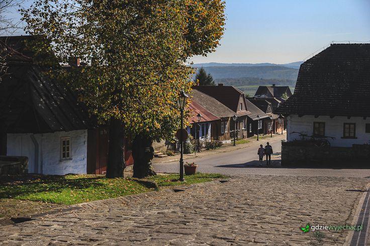 Jeszcze raz Lanckorona http://gdziewyjechac.pl/29937/rynek-w-lanckoronie-w-jesiennym-sloncu.html