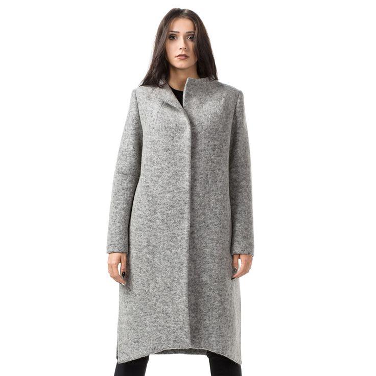 Asymetryczny, nowoczesny płaszcz na zimę. Modern asymetric coat for winter.