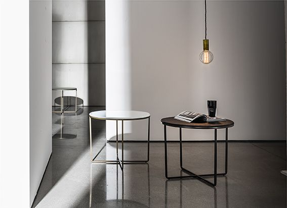 Piktor coffee tables with mocha embossed metal and burnished metal structure. The refined bases give an added value to the glass tops. Discover the various finishes here http://www.sovet.com/en/coffee-tables/piktor