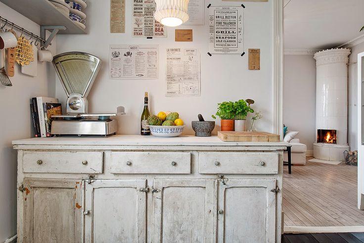Muebles y objetos antiguos mezclados con estilo nórdico