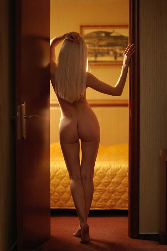 Ballerina Seeking Man 49