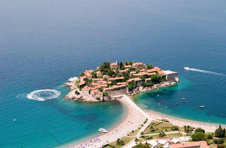 Kroatian naapurissa sijaitsevan Montenegron pitkä rannikko mahdollistaa onnistuneen rantaloman helpossa matkakohteessa. Katso, mitkä ovat maan parhaat rantakohteet!