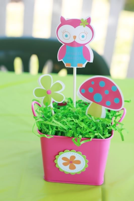 idea for birthday table decor. a little more on the adult look though