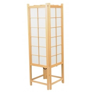 This beautiful Tatami lamp let the light shine through rice paper... such a warm atmosphere...