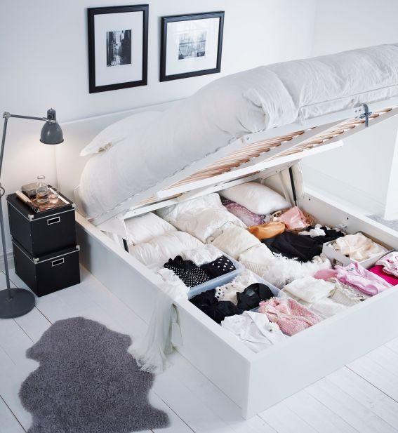 Het MALM bed biedt volop opbergruimte voor al je beddengoed. #IKEA