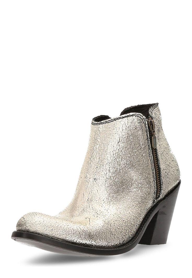 Liberty Black Ankle Boots Frida Croste, Leder, Absatz 9 cm silber Jetzt bestellen unter: https://mode.ladendirekt.de/damen/schuhe/stiefeletten/ankleboots/?uid=91cee489-e31d-5200-8fa4-2443f4d9ebae&utm_source=pinterest&utm_medium=pin&utm_campaign=boards #stiefeletten #ankleboots #schuhe #bekleidung Bild Quelle: brands4friends.de