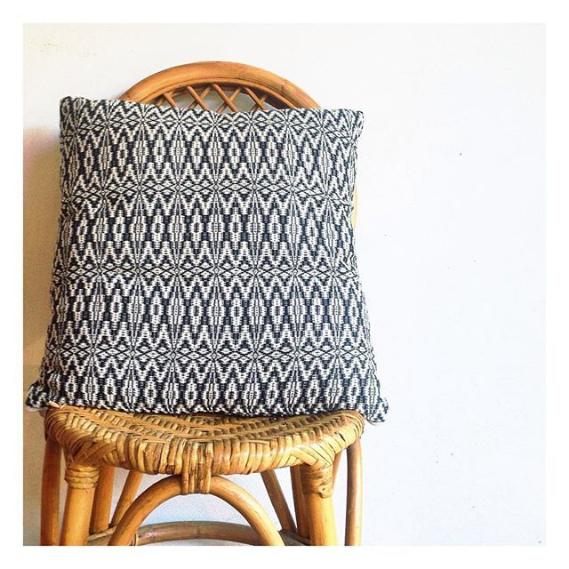 I really do love this cushion. Even more so as it's entirely handwoven by incredibly talented weavers from the mountain region of Tameslouht Morocco. Do you love it as much as we do? How about another colour...? What colour would you choose?   link in the bio  #globalliving #zarparliving #homewares #interiorstyling #interiorinspo #interiorinspiration #homewares #stripes #pink #texture #pompomblanket #throw #azteccushion #hometextiles #throwcushions #scattercushions #bl...