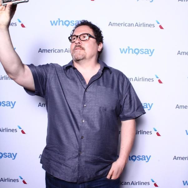 WhoSay - Writer/Director/Star of #Chef @Jon_Favreau takes the new #talkingselfie for a test drive.