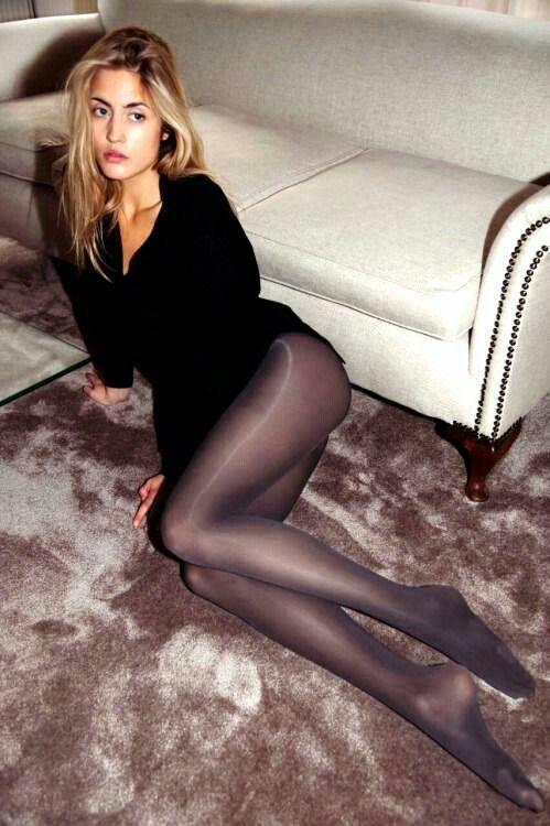 image Sexy mini falda piernas tacón alto