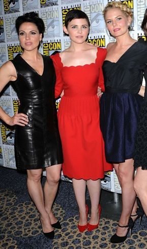 Jennifer Morrison at Comic-Con 2012 wearing Chrissie Morris