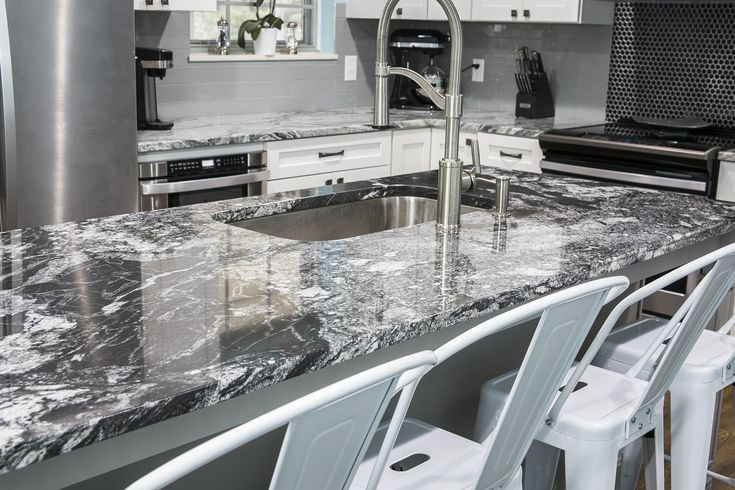 Ordinaire This Knoxville, TN Home Was Updated With Beautiful Black Forest Granite  Countertops On Their Island