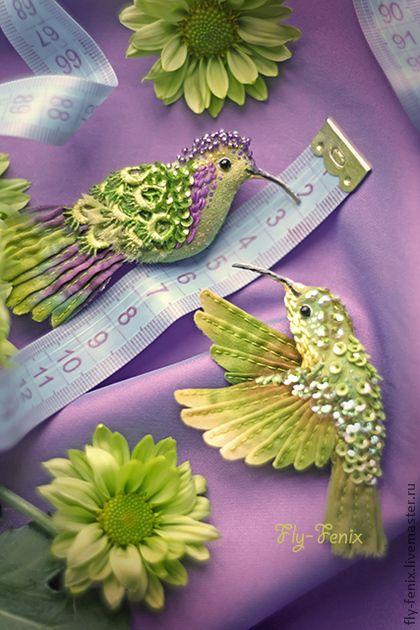 Броши ручной работы. Ярмарка Мастеров - ручная работа миниатюрная брошь - птица колибри. Колокольчик.. Handmade.