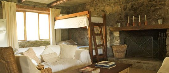 Glen Oakes. Hemel en Arde Valley.    Price: From R700 a night for two people (R200 a person thereafter) with a minimum stay of two nights  Travel time from Cape Town: 1 hour 20 minutes  http://www.glenoakes.co.za/index.phpa