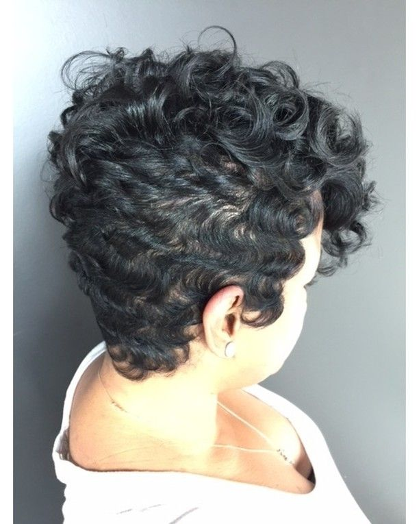 Hairstylist, Razor Chic of Atlanta University #FAB Wave Technique class in now in session! Enroll now and learn the Razor Chic way of creating soft and beautiful waves, that will create coverage for your client's challenging areas. Let Razor Chic show you a new and creative way to elevate your technical skills and boost your income. To register CLICK THE LINK IN THE BIO! razorchicofatlanta #razorchicofatlantasalon #HairArtistatWork #razorchicuniversity #cutlife